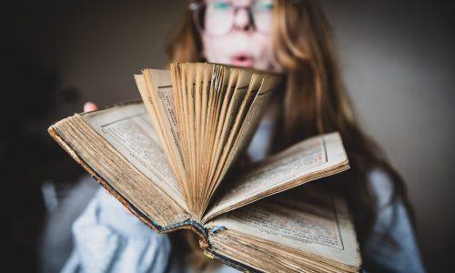 book-6Z4J44W